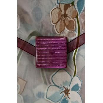 Магнит Скваред фиолетовый